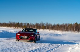 Mazda MX-5, Arctic drive 2019, front, road