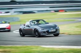 Mazda MX-5 Z-Sport, 2018, front, track
