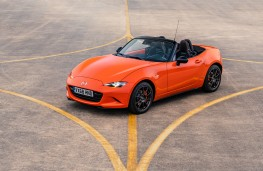 Mazda MX-5 30th Anniversary Edition, 2019, front, static