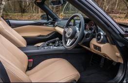 Mazda MX-5 Z-Sport, 2018, interior