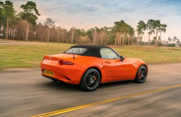 Mazda MX-5 30th Anniversary Edition, 2019, rear, hood up