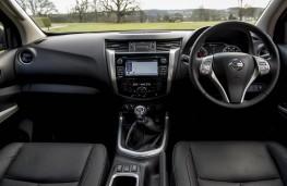Nissan Navara, 2016, interior