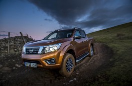 Nissan Navara, 2016, off road
