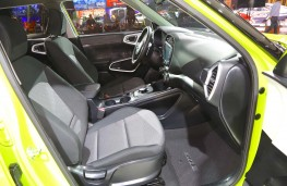 New Kia Soul EV front seats
