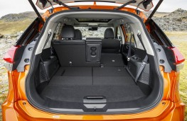 Nissan X-Trail, boot