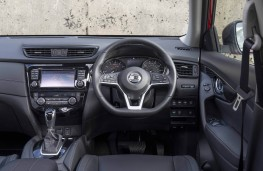 Nissan X-Trail, dashboard