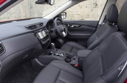 Nissan X-Trail, front seats