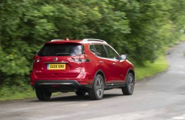 Nissan X-Trail, rear action