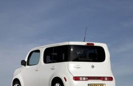Nissan Cube, rear