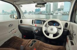 Nissan Cube, dashboard