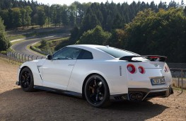 Nissan GT-R Track Edition side