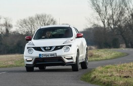 Nissan Juke Nismo RS, front action 2