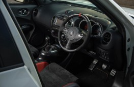 Nissan Juke Nismo RS, dashboard