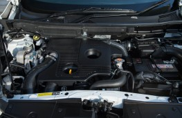 Nissan Juke Nismo RS, engine