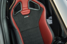 Nissan Juke Nismo RS, front seat