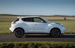 Nissan Juke Nismo RS, side static