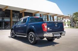 Nissan Navara Double Cab 2019 rear