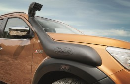 Nissan Navara Off-Roader AT32 snorkel