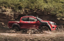 Nissan Navara Off-Roader AT32 wading