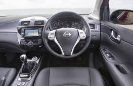 Nissan Pulsar, dashboard