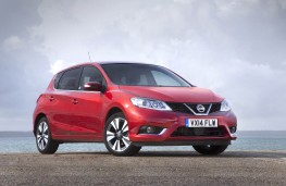 Nissan Pulsar, front static