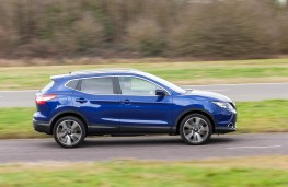 Nissan Qashqai, side action