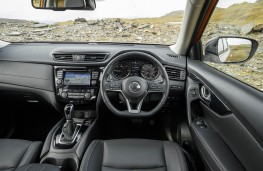 Nissan X-Trail, dashboard