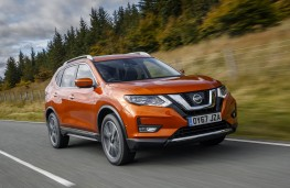 Nissan X-Trail, front action
