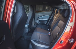 Nissan Juke, 2020, rear seats
