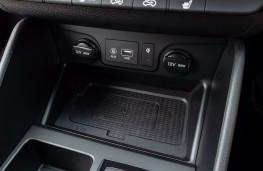 Hyundai Tucson N-Line, 2019, phone charging pad