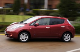 Nissan Leaf, side