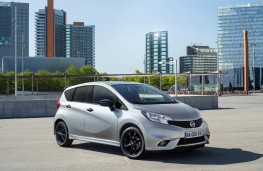 Nissan Note Black Edition, front