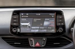 Hyundai i30 N Performance, 2017, display screen