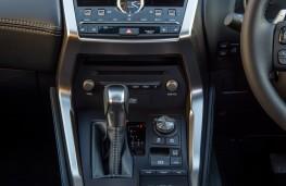 Lexus NX 300h, 2018, centre console