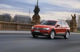 Volkswagen Tiguan, 2016, front