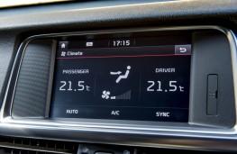 Kia Optima Sportswagon GT Line S, display screen