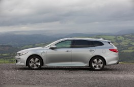 Kia Optima Sportswagon, side