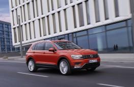 Volkswagen Tiguan, 2016, side, action