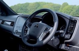 Mitsubishi Outlander PHEV, 2018, dashboard