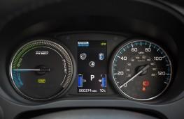 Mitsubishi Outlander PHEV, 2017, instruments