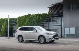 Mitsubishi Outlander PHEV, 2020, front