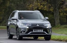 Mitsubishi Outlander PHEV 2015, front