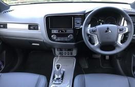 Mitsubishi Outlander, 2018, interior