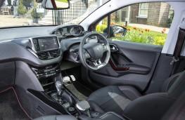 Peugeot 2008 GT Line, 2016, interior