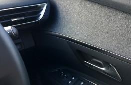 Peugeot 3008 Allure, 2017, door trim