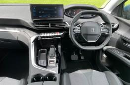 Peugeot 5008, 2021, interior