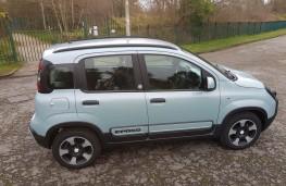 Fiat Panda 1.0 City Cross Hybrid, profile