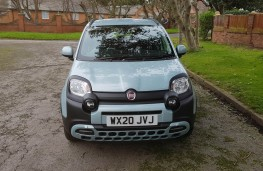 Fiat Panda 1.0 City Cross Hybrid, face