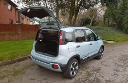 Fiat Panda 1.0 City Cross Hybrid, tailgate