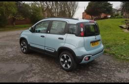 Fiat Panda 1.0 City Cross Hybrid, rear